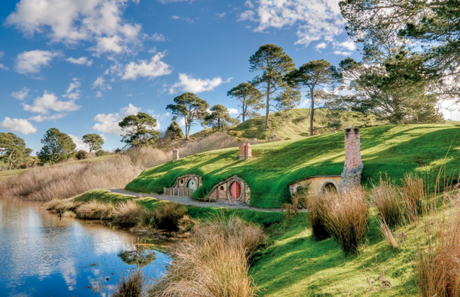 Insight in the beautiful landscape of the Hobbit movie set in Matamata.