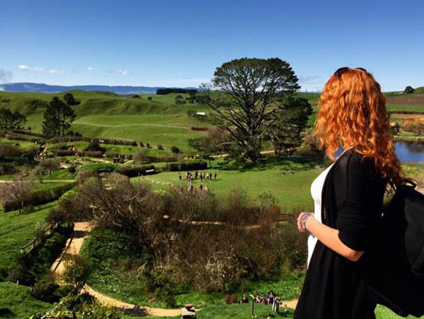 Jasmijn and Julia explore Hobbiton Middle Earth