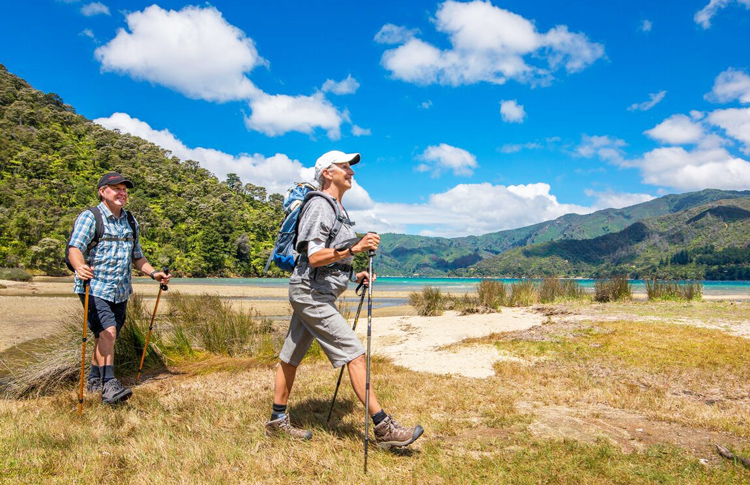 Budget Hiking Tours New Zealand