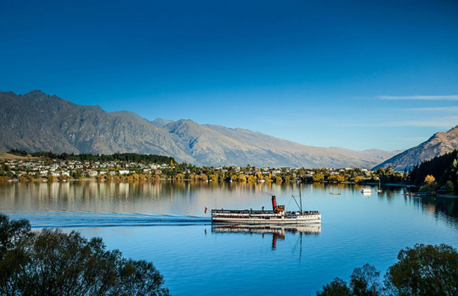Queenstown as seen from Lake Wakatipu.