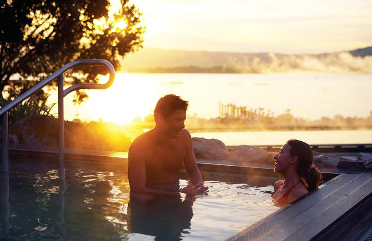 Honeymoon Hotpools