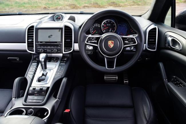 Porsche Cayenne | New Zealand High Performance Vehicle Hire