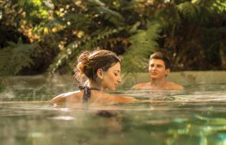 Visiting New Zealand natural hotpools while on tour