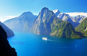 Cruising in Milford Sound